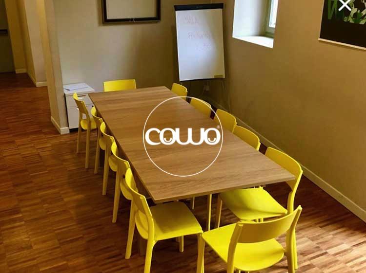 Tavolo riunioni al Coworking Cinisello